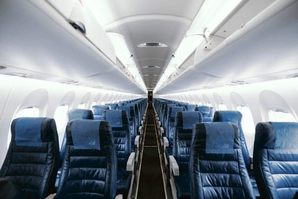polycarbonate ignifuge pour composant d'intérieur d'avion