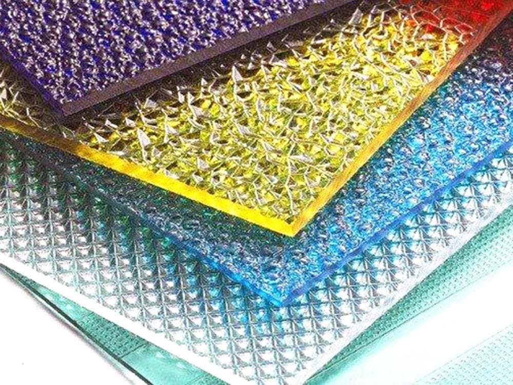 Plaque polycarbonate prismatique