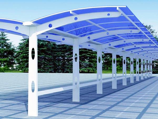 La plaque polycarbonate compact UVPLASTIC est le meilleur matériau pour les projets de bricolage à domicile tels que l'abri d'auto en polycarbonate, l'enclos de nage, la pergola, etc.