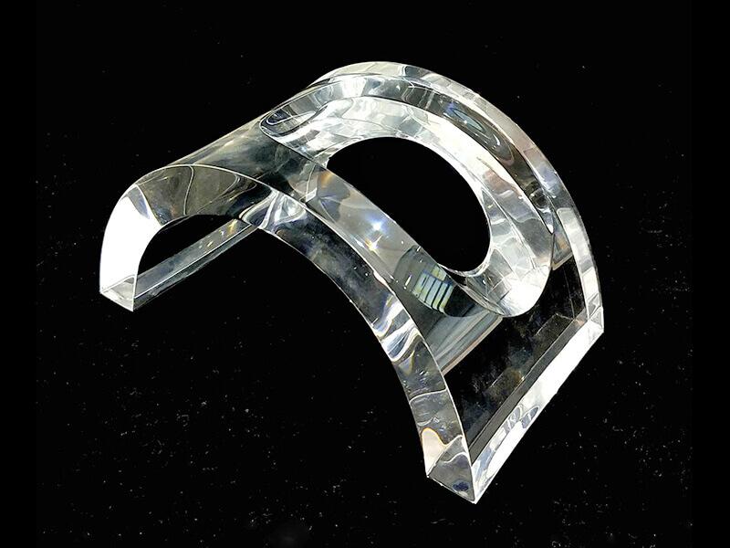 Finition de bord pour le plexiglass